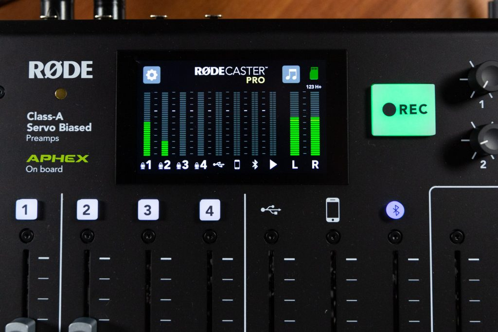 rodecaster1